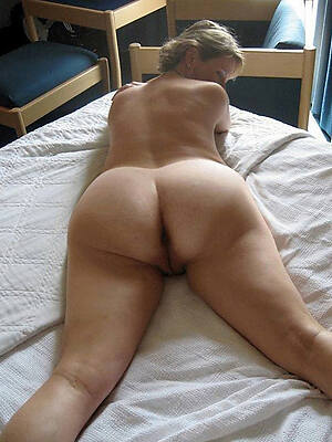 Mature asses naked